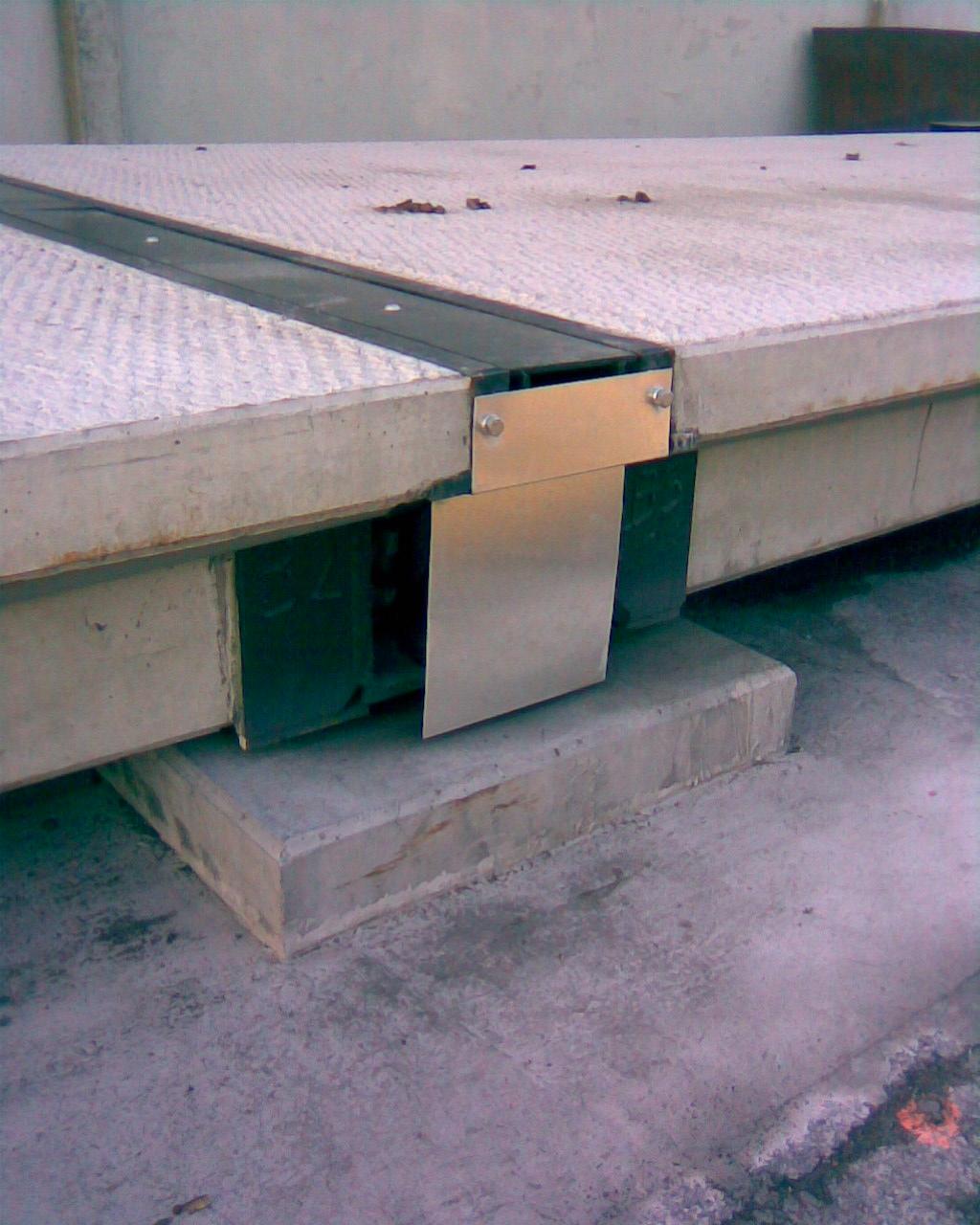 pont-plaque